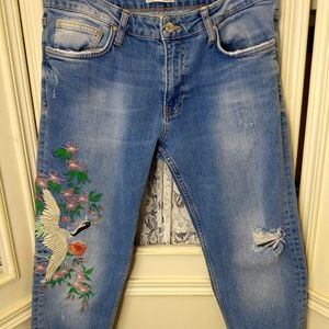 Zara Woman Distressed Embroidered Jeans Size 8